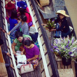 Longhi shopping, textiles, Inle Lake, Myanmar
